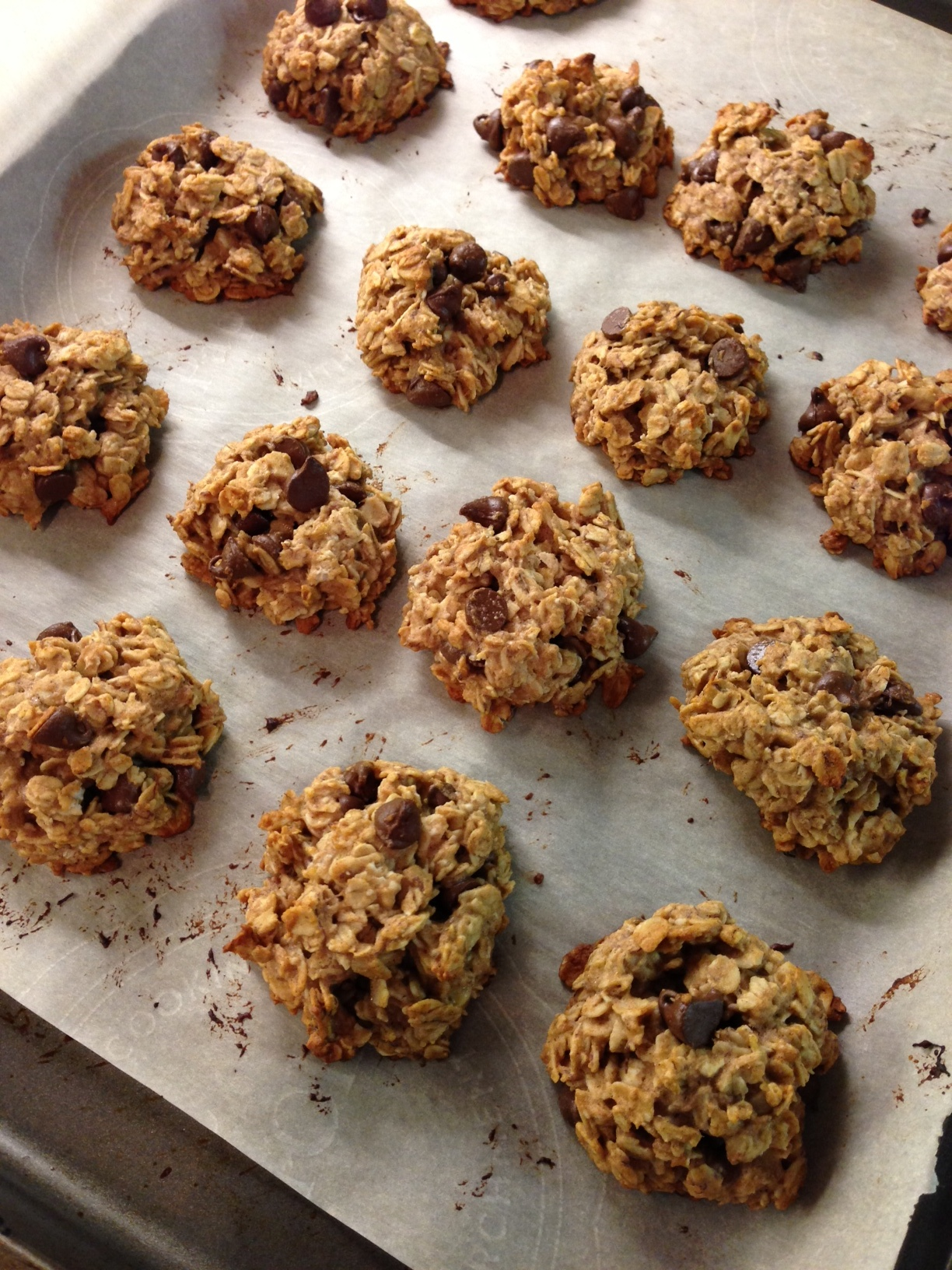 find a lot of healthy cookie recipes require at least 3 ripe bananas ...