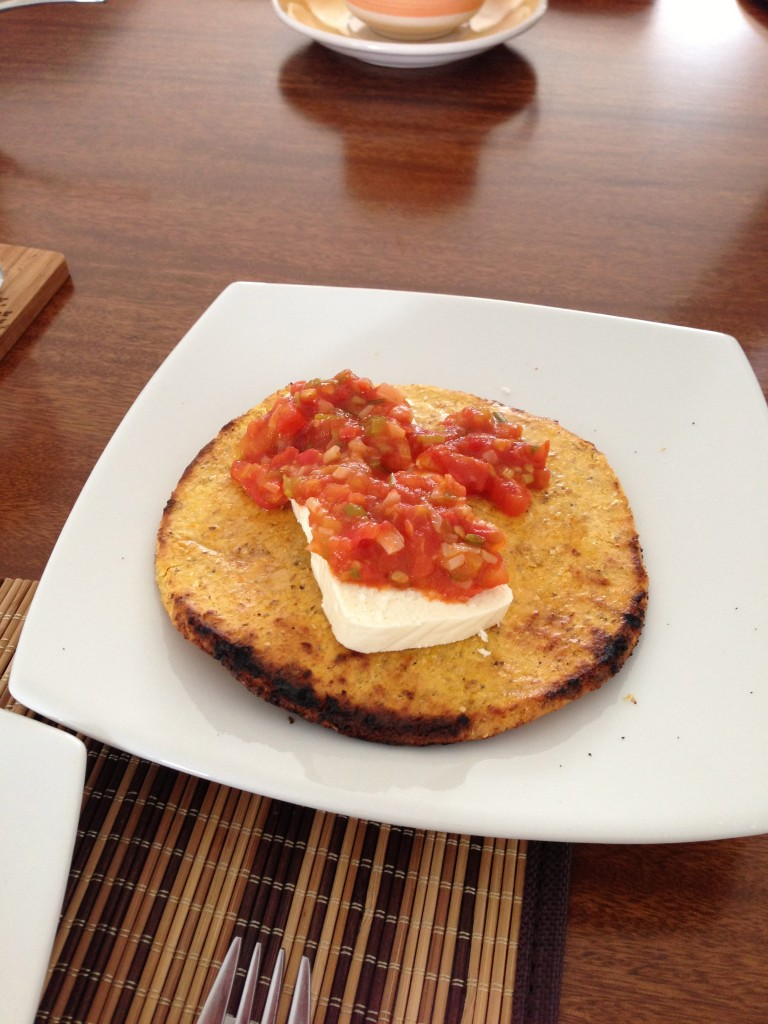 Arepa with queso & hogado