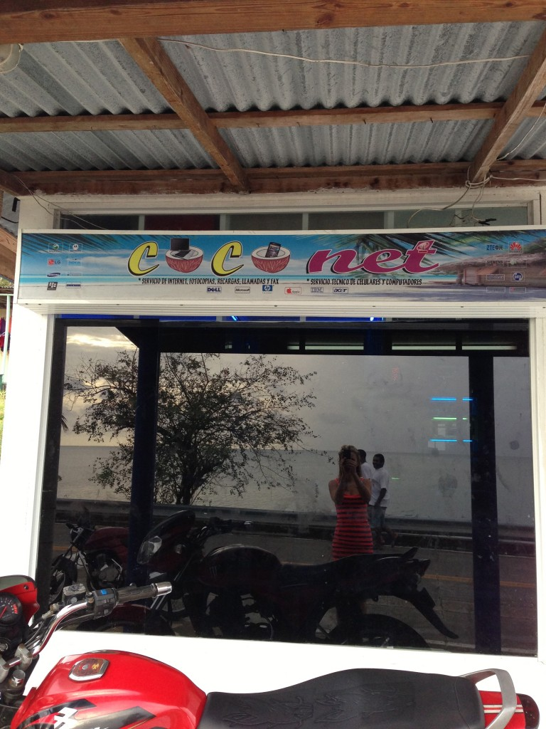 The only internet cafe on the island: Coconet!